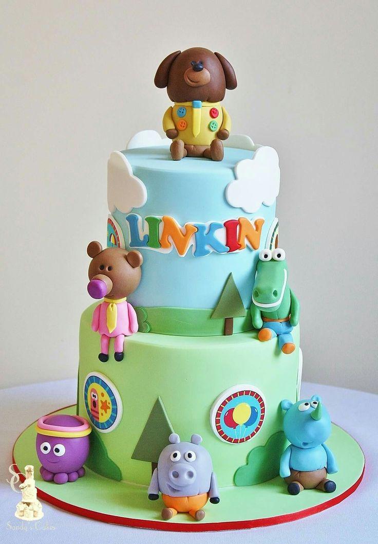 Hey Duggee themed birthday cake