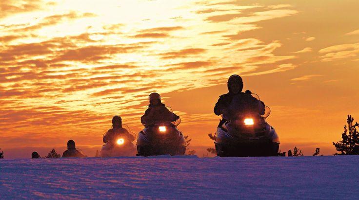 Moottorikelkkailuun on Pellossa hyvät mahdollisuudet, sillä hyvän reitistön ohella myös naapurimaa Ruotsin mahdollisuudet kelkkailuun ovat hyvät. Pellon ku