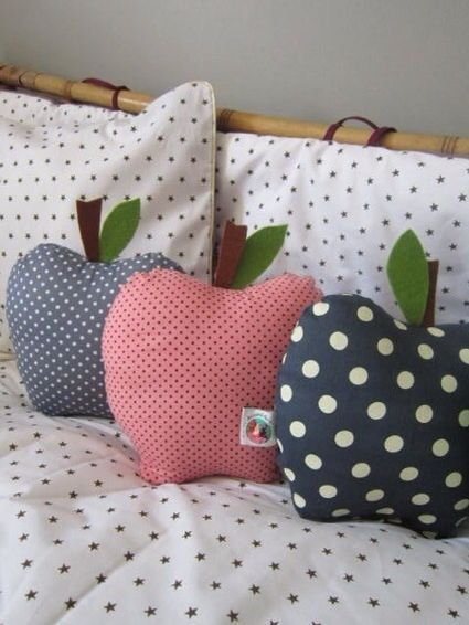 Sewing Idea: Apple Pillow. Maybe A Good End-of-the-year Gift For A Teacher? I Know, I Know, Kind Of Cliche, But How Fun Would It Be To Get One Of These As A Gift?
