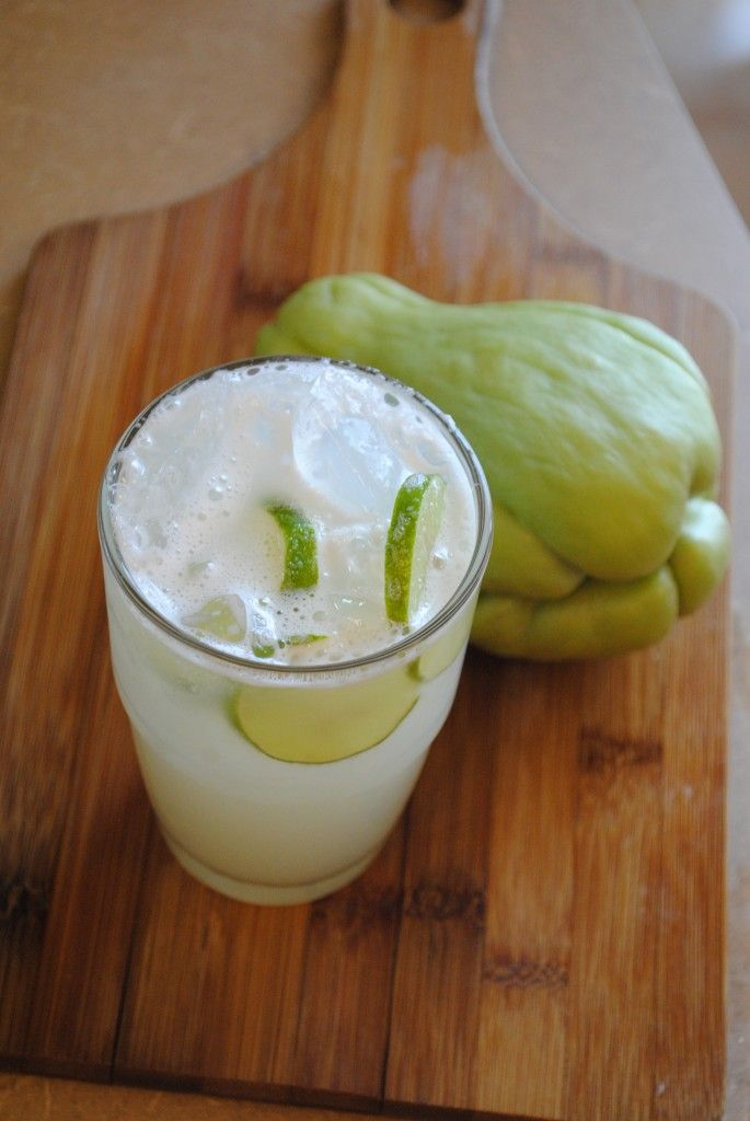 Agua de Chayote - these strange-looking guys are on sale at Fiesta.  This might be a fun way to try them.