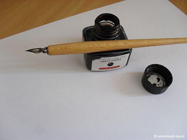 Si imparava a scrivere con il pennino e l'inchiostro.