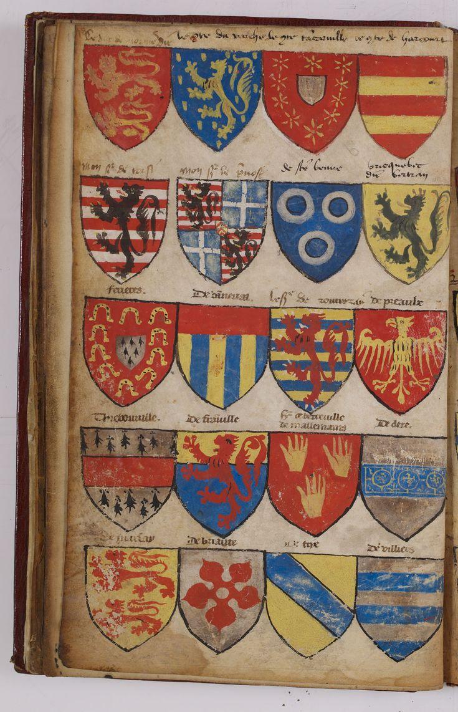 """Armorial dit """"Le Breton"""" du nom du propriétaire l'ayant fait relier à ses armes """"Hector Le Breton, sieur de la Doinneterie"""" héraut d'armes de France au titre de Montjoie (1615-1642). Il a été constitué en deux temps : une première partie a été peinte à la fin du XIIIe siècle ou au début du XIVe siècle, une seconde a été réalisée dans la seconde moitié du XVe siècle. Il contient environ 950 blasons. Archives nationales, AE/I/25/6  © Archives nationales, France"""
