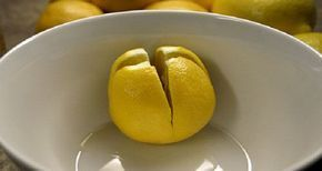 O limão é conhecido por seus benefícios à saúde.Porém seus poderes vão muito mais além.Seu cheiro único é associado à limpeza e frescura do ambiente e diz-se que ele tem a capacidade de melhorar o humor.
