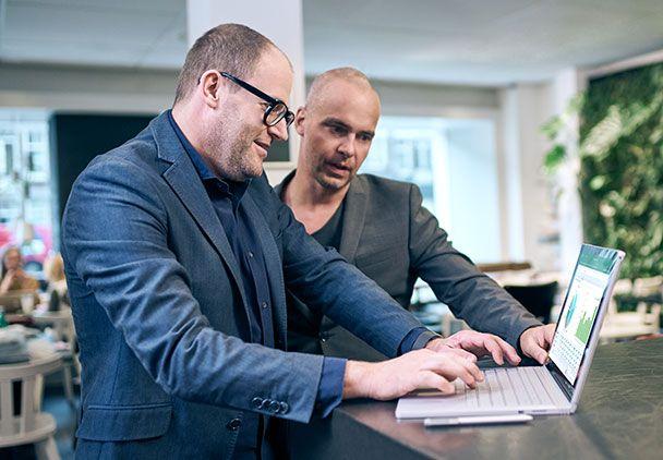 Wybierz odpowiednie oprogramowanie biurowe od Microsoft. Skorzystaj z darmowego konfiguratora, wybierz interesujące Cię funkcjonalności i oblicz cenę online