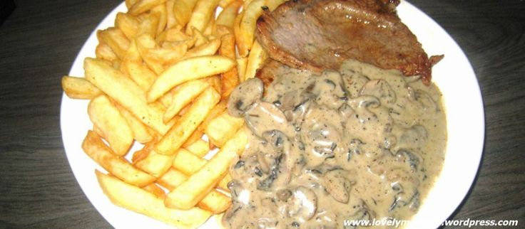 Biefstuk met frietjes én heerlijke champignonroomsaus!