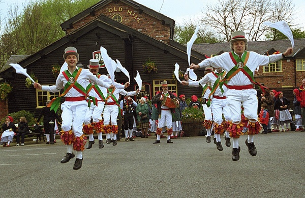 Cotswold traditions - Morris Dancing