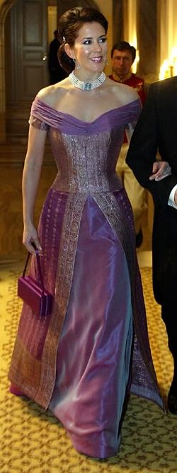Mary Donaldson - March 16 2004  - Reception on the occasion of the presidential couple visits Romania. Her dress was designed by Henrik Hviid, material bought Mary the market in Hobart