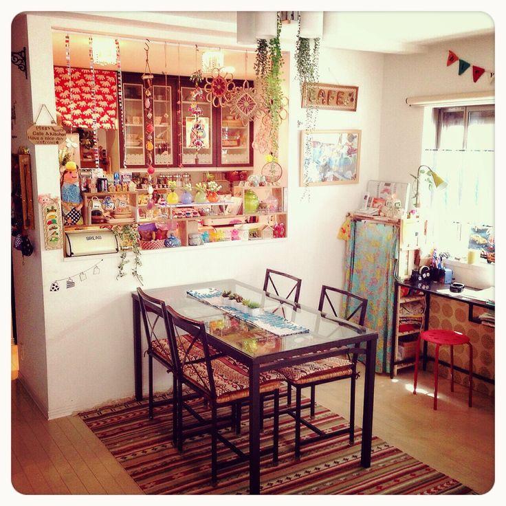 IKEAのダイニングセット!ガラスの天板でスッキリ★イベントや季節にあわせてテーブルランナーを変えて楽しんでますダイニングテーブル/IKEAのダイニングセット/ダイニング/ガラス天板/カラフル♡…などのインテリア実例 - 2015-05-08 11:00:36 | RoomClip(ルームクリップ)