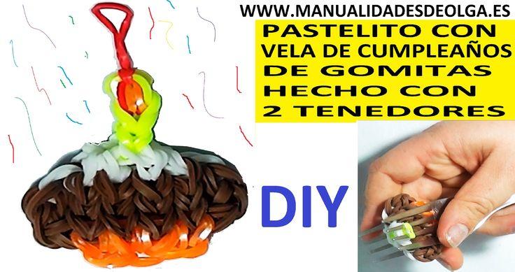 COMO HACER UN PASTELITO DE CUMPLEAÑOS DE GOMITAS (LIGAS) (CUPCAKE CHARMS) CON DOS TENEDORES. TU...