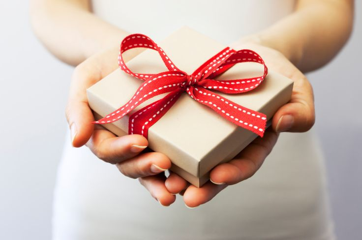Știți cum e atunci când e ziua cuiva, o aniversare de cuplu sau pur și simplu vreți să îi cumpărați cuiva un cadou, dar habar nu aveți ce? Am văzut pe anumite site-uri tot felul de cadouri amuzant…