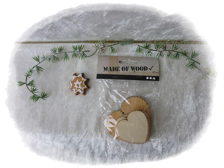 12er Set Holzherzen 7,5cm/ 5,1cm zum Aufhängen von Die Geschenkidee auf DaWanda.com