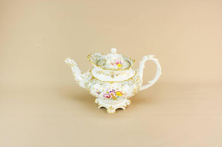 Antique High Victorian — Large High Victorian teapot