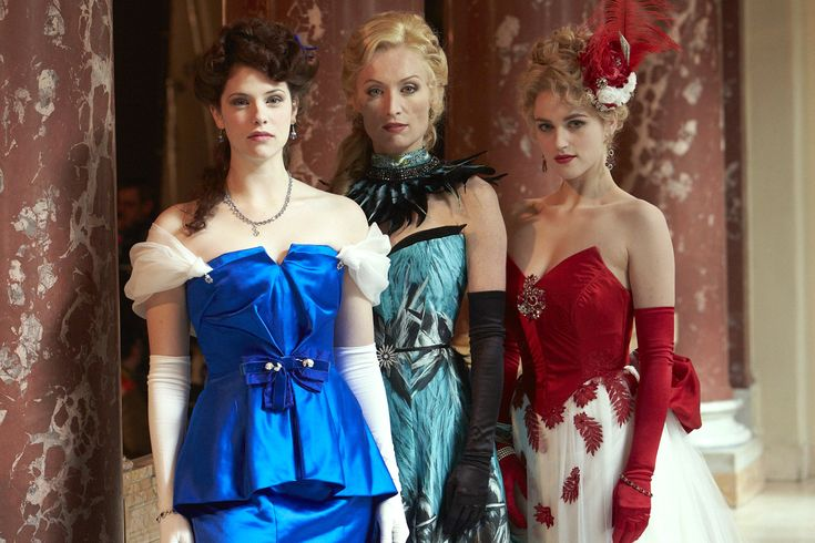The 3 women in the new Dracula series. Gotta love the vampire huntress! (middle one).