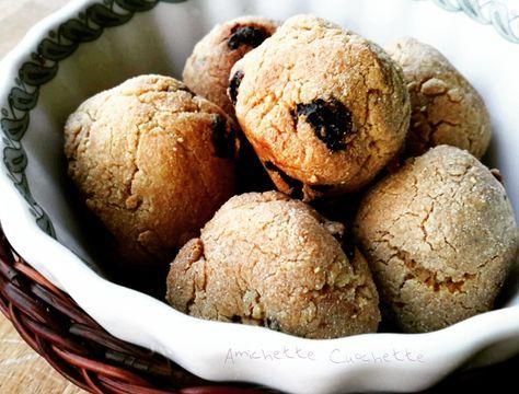 I dolcetti con farina di amaranto ,mandorle ed uvetta sono degli snack sani, gustosi ed adatti anche a chi sta seguendo la dieta del dottor mozzi.