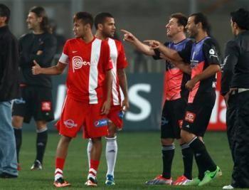 Messi molesto por trato a su familia | La Afición. | En la foto, Neymar & Alves - Mascherano & Messi.