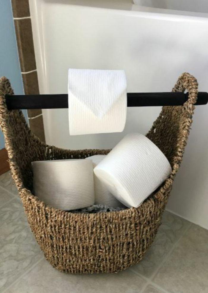 die besten 25 toilettenpapier aufbewahrung ideen auf pinterest klorollenhalter bath br tchen. Black Bedroom Furniture Sets. Home Design Ideas