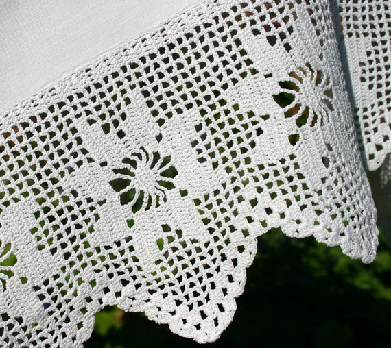 Antique Tablecloth in White Linen with Crochet Hem.