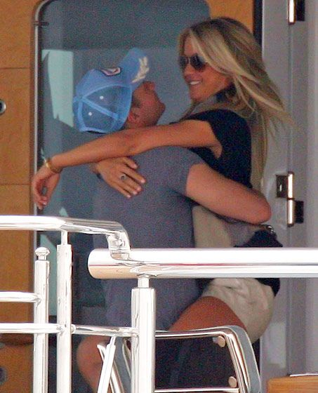 Ryan Seacrest and Julianne Hough's Cutest Moments: Packing on the PDA
