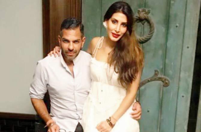 Karisma Kapoor S Ex Husband Sunjay Kapur And Wife Priya Sachdev Blessed With A Baby Boy Priya Sachdev Sunjay Kapur Karishma Kapoor Ex Husbands Baby Boy Boys