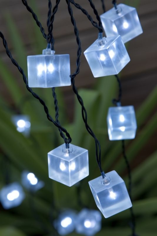 These LED cube lights are perfect for parties and bringing light and life to outdoor areas during these long dark evenings. #outdoorlights #bluemonday