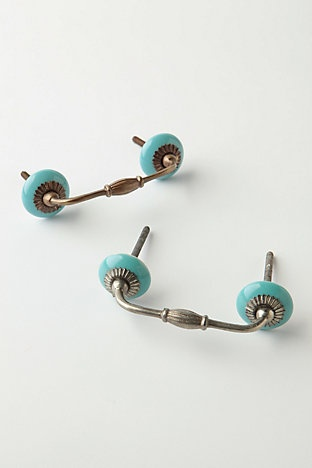 Drawer pulls with turqoise - would love for my hutch project!!