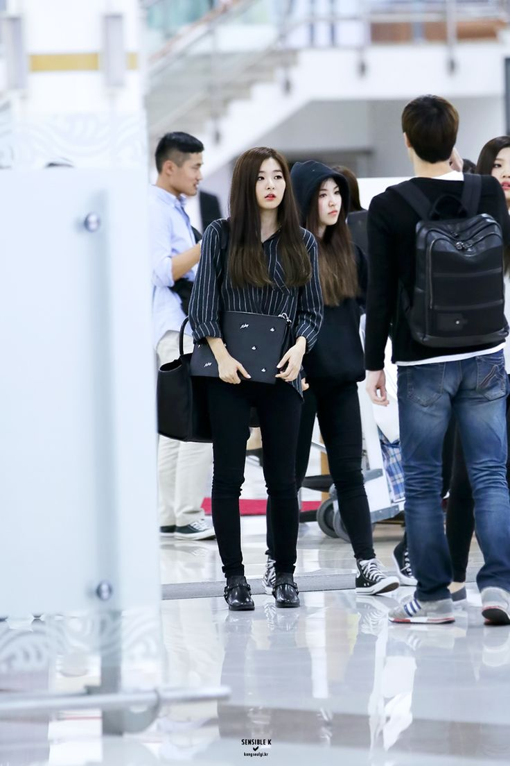 Other red velvet s airport fashion celebrity photos onehallyu - Red Velvet Seulgi Airport Fashion 141006 2014 Kpop