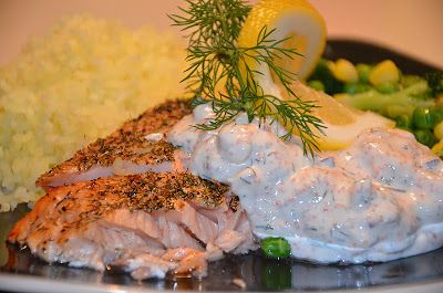 Salt-baked Salmon with cold yoghurt/creme fraiche sauce with shrimps and dill (in Swedish). Had a similar dish at a hotel recently that so so YUM!
