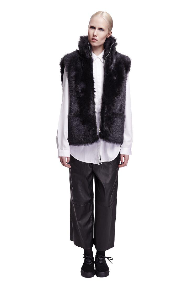 ONAR Dozzy vest in black