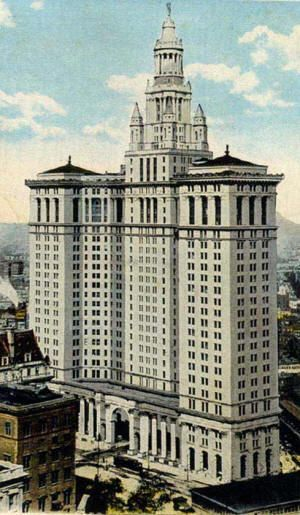 McKim Mead and White: NY Municipal Building