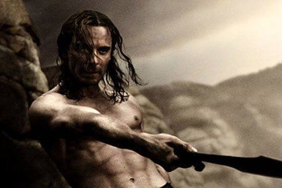 Pin for Later: The Hottest Shirtless Guys in Movies Michael Fassbender, 300 The cinematography in 300 did Michael Fassbender's taut tummy nothing but favors.