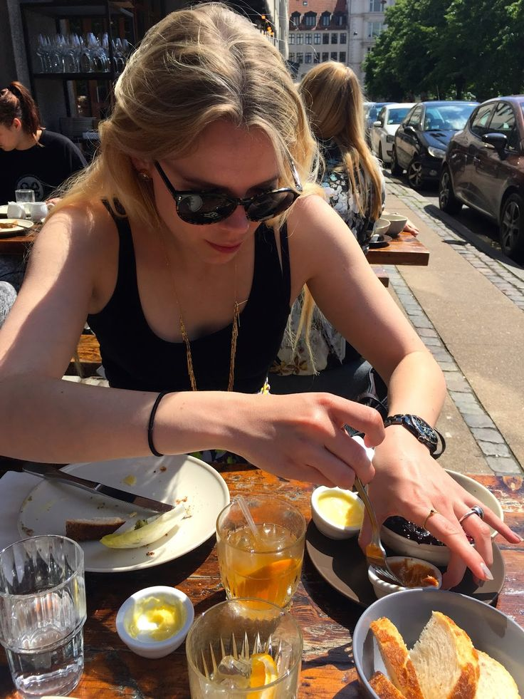 Brunch in the sun at Pluto (pop up brunch)