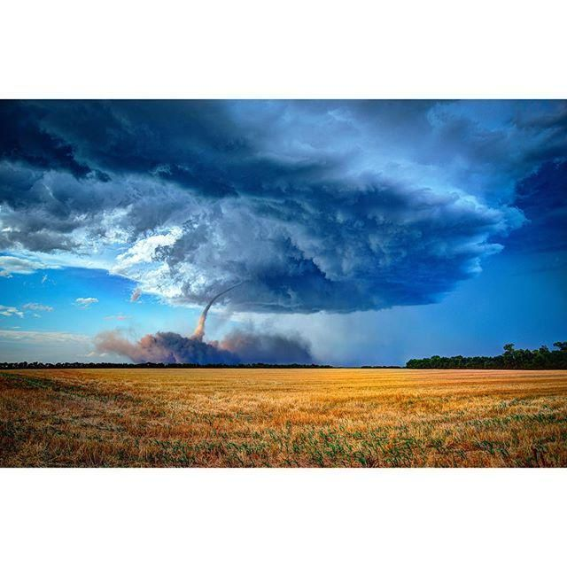 Photographer @hansmast w/ a stunning photo edit of the Nickerson (Hutchinson), Kansas tornado on 13 July 2015. #KSwx