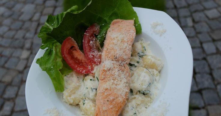 Smetanové gnocchi s grilovaným filetem z lososa