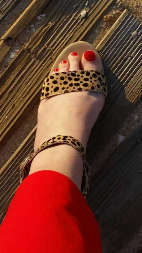 Lovin my Steve Madden sandals and red pedi.