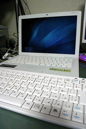 職場ではWindows、自宅ではMacという人に、オススメ。以前、ドサ健さんがテンキーレスキーボードの話を書いていましたが、私もミニキーボー...