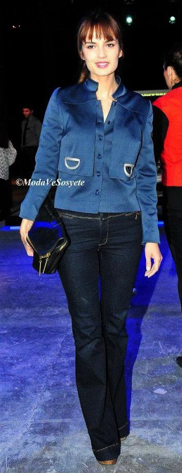 Turkish Actress: Selin Demiratar Fashion