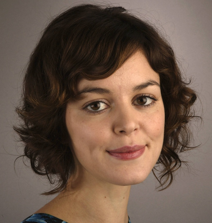 Adorable styling for short, wavy hair.
