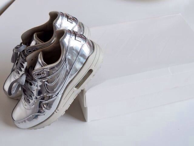 Nice Outfits With Jordans #Nike #Trainers #Sneakers #Silver #Shiny #Statement... Check more at http://24shopping.ga/fashion/outfits-with-jordans-nike-trainers-sneakers-silver-shiny-statement/