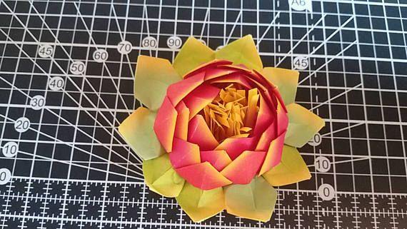 Guarda questo articolo nel mio negozio Etsy https://www.etsy.com/it/listing/512568030/fiore-di-loto-origami