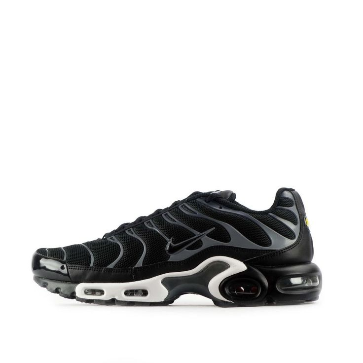 Nike Air Max Plus TN Tuned Men's Shoes in Black/Cool Grey