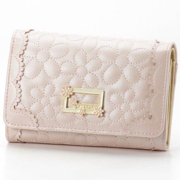 財布(花柄キルティング二つ折れ財布) | リズリサ(バッグ&ウォレット)(LIZ LISA Bag&Wallet) | ファッション通販... ❤ liked on Polyvore featuring bags, wallets, pink wallet and pink bag
