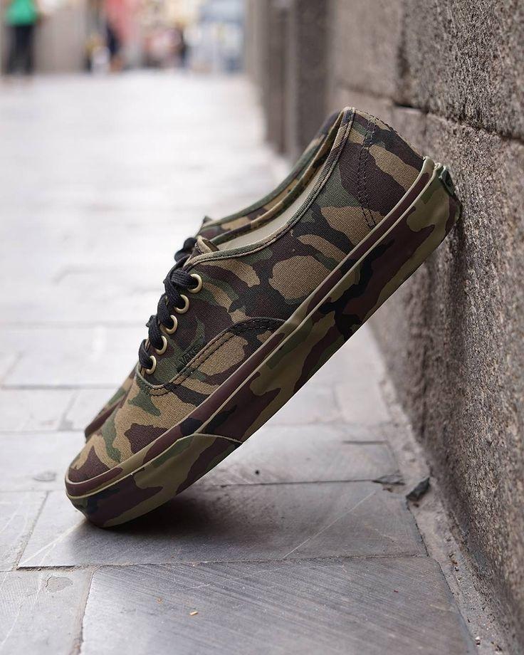 NEW IN!! Vans Authentic Canvas CAMO ya disponible en#RegalizFunwear
