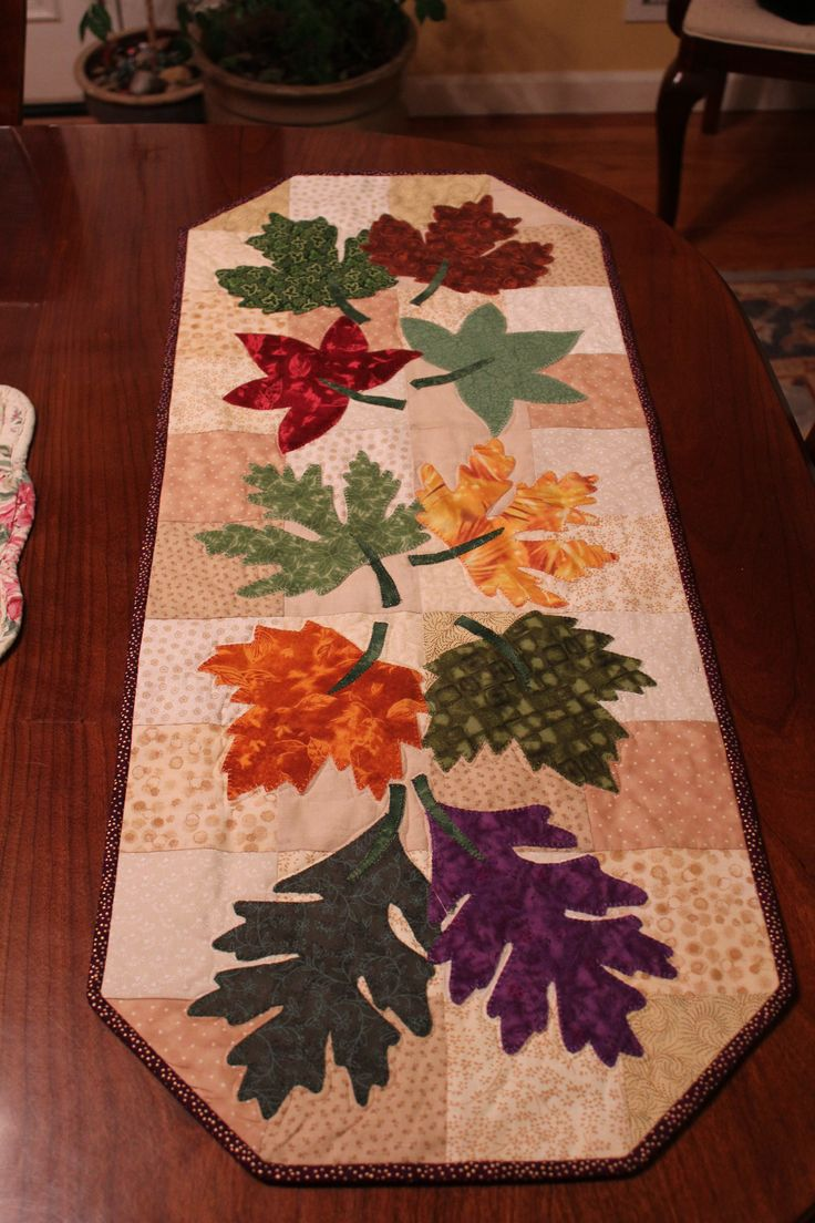 Fall table runner, looking at the color variations people used