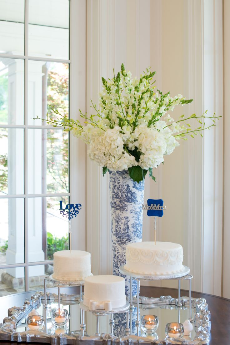 Blue and white wedding.