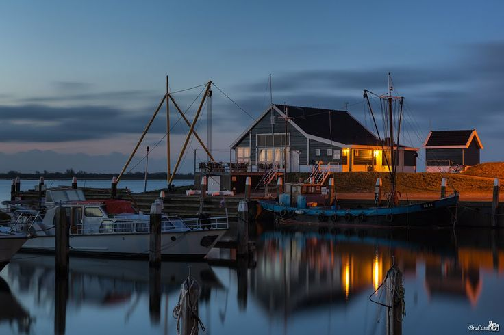 Ouddorp Harbor at dawn (Goeree-Overflakkee, the Netherlands)