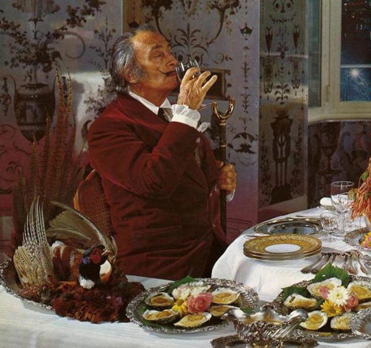 Немецкое издательство«Taschen» впервые с 1978 года переиздало книгу Сальвадора Дали «The Wine of Gala» («Вина Гала») — эксцентричный иллюстрированный гид по винам со всего мира. «Вина легкомыслия», «Вина невозможности»...