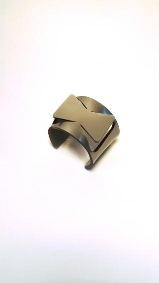 izumi - gioielli da resti di produzioni industriali Bracciale in plexiglass fiocco argento