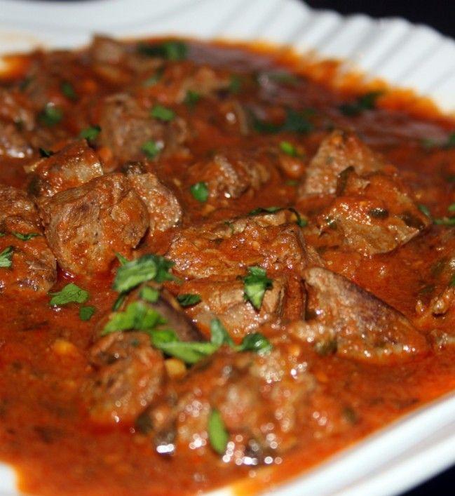 foie en sauce tomates      -Les abats d'agneau sont très cuisinés dans les pays du Maghreb entre autre le foie d'agneau en sauce soit
