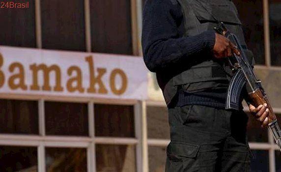 Atiradores invadem resort de luxo no Mali