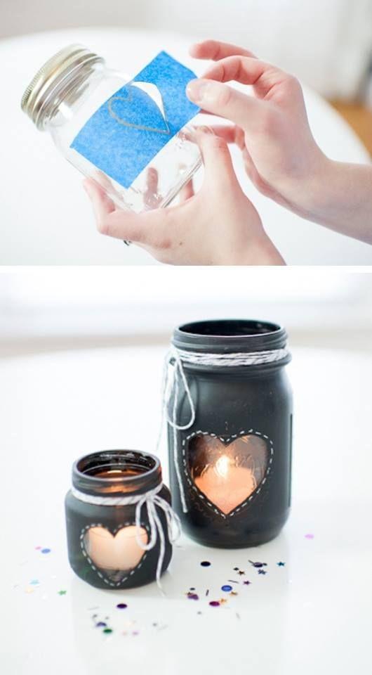 Reutiliza el envase de mermelada de tu desayuno de La Chocolata, para crear estos lindos faroles y darle así a tu hogar un ambiente romántico. ¡Inténtalo!